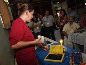Dr. Mildred Linkimer gives a demonstration during the renewable energy workshop for Costa Rican policymakers.