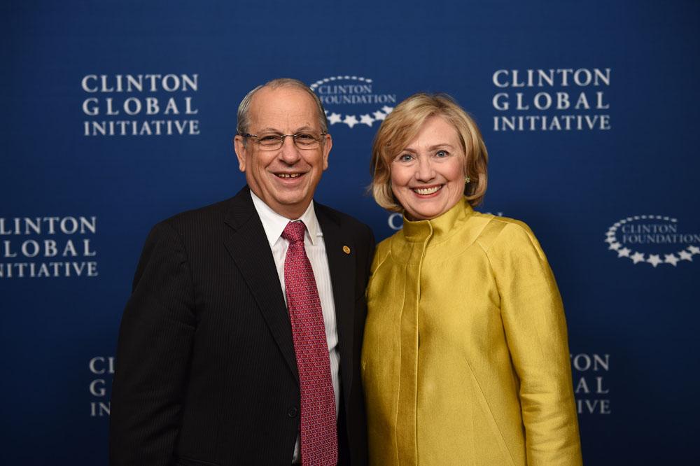 EARTH President José Zaglul and Hillary Rodham Clinton at the 2014 CGI Annual meeting. Photo by Barbara Kinney/ Clinton Global Initiative.