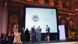 In the photo: Hugo receives the Global G.A.P. Award for Tropical Nordeste S.A.