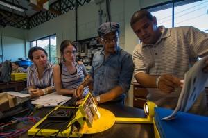 En el laboratorio del CIDER los estudiantes obtienen experiencia práctica en una amplia variedad de tecnologías de energias renovables