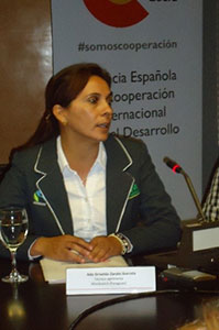 ADA ZÁRATE (2000, PARAGUAY)
