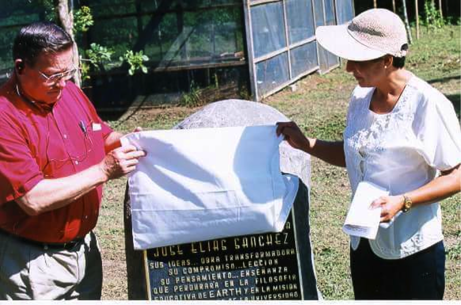 The FIO is named after José Elías Sánchez, (1927-1999) emeritus director of EARTH, for his contributions to sustainable development in the humid tropical region. This photo shows Dr. Norman Brown and Sánchez's widow unveiling the inauguration plaque.