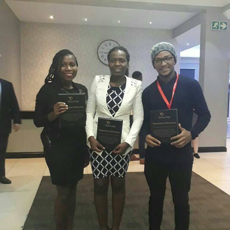 Thabu, Tanyaradzwa y Martinho fueron premiados en la cumbre BAOBAB 2017. Foto: Facebook, Thabu Mugala.