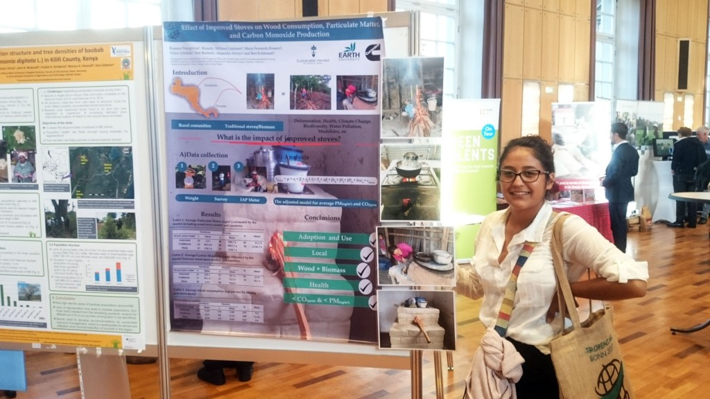 Víctor and María Fernanda presented the results of their research on efficient stoves at Tropentag 2017 in Bonn, Germany. The duo found that the improved stove models used half as much firewood as conventional wood-burning stoves.