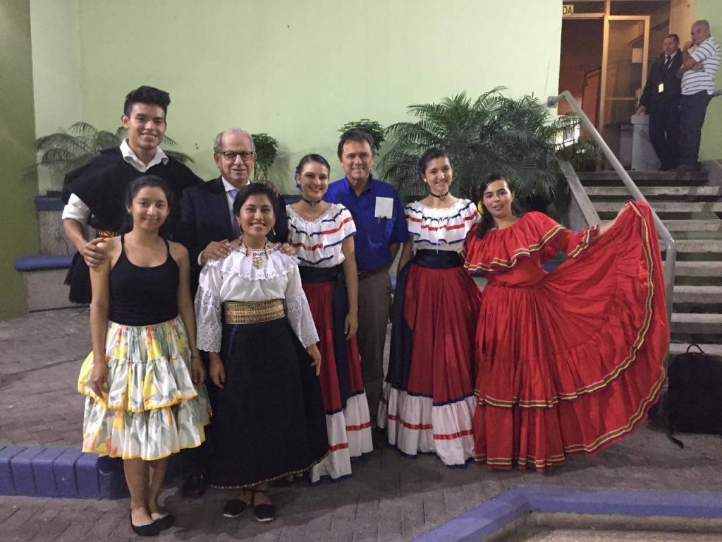Xavier Ullaguari ('19, Ecuador); Lynda Alvarado ('19, Honduras); Tamia Gualán ('20, Ecuador); Fiorella Guzmán ('20, Costa Rica); Bianca Martínez ('19, Honduras) and Luis Enrique García ('14, Mexico) (not pictured) took charge of the cultural act at the celebration. Also pictured are Dr. José Zaglul, president emeritus of EARTH University, and Dr. Franklin Chang, CEO of Ad Astra Rocket Company.