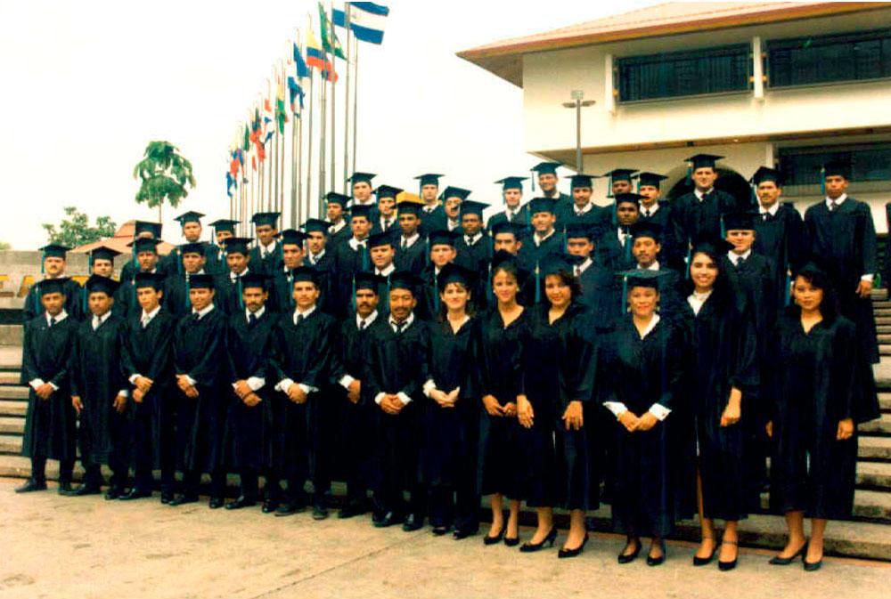 Graduacion Pioneros 1993