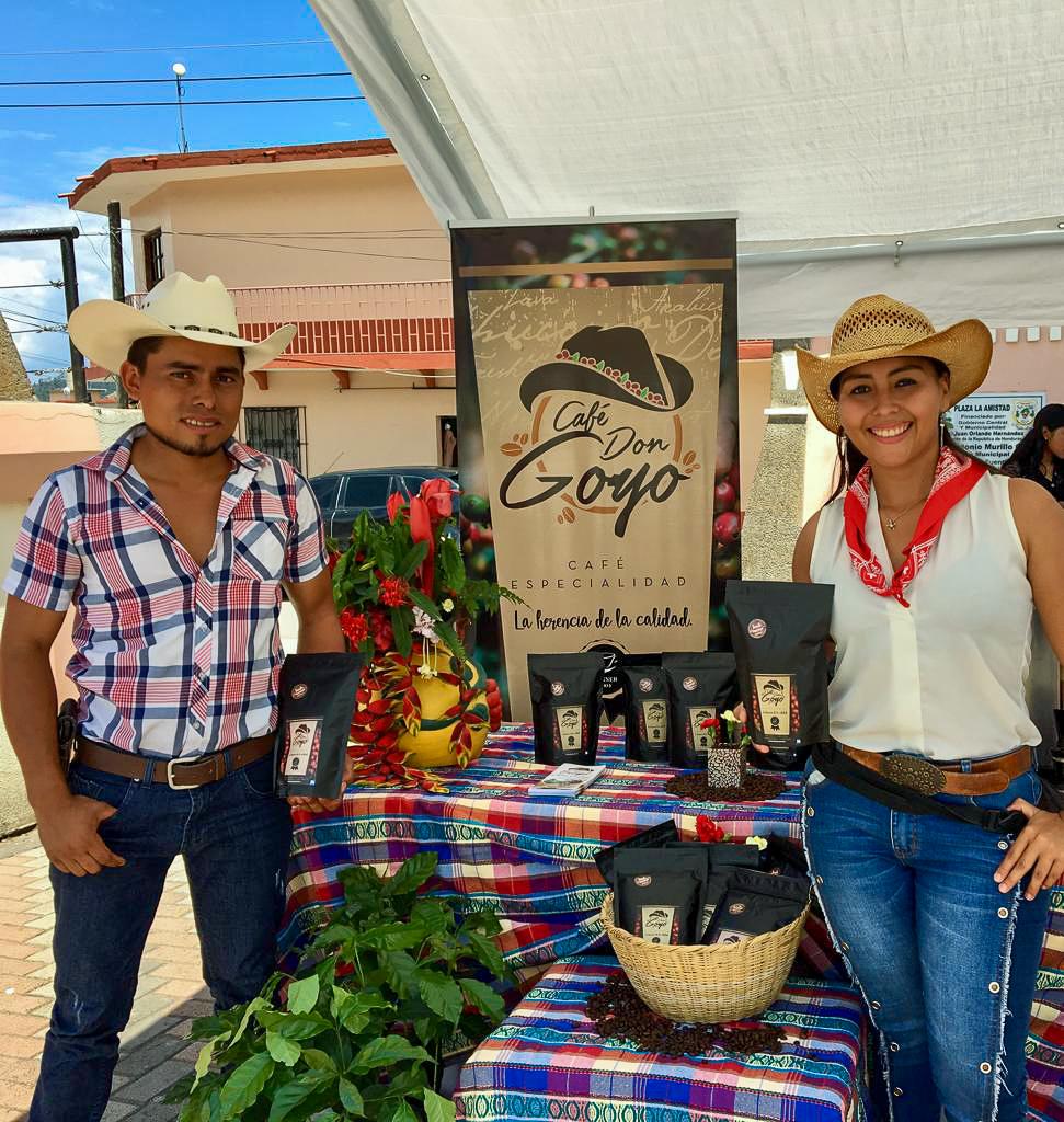 Rosa Ayde Martínez y su hermano Jose Danilo