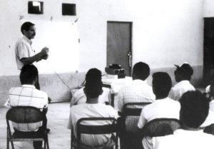 Una clase con el profesor Daniel Sherrard.