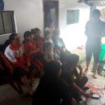 La familia de Tamia Sisa (Ecuador) apoyándola desde su casa.